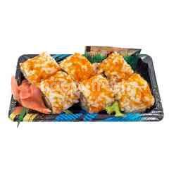 Salmon Mayo Salada Maki Sushi