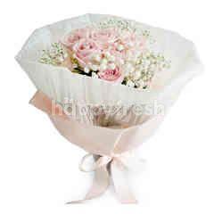 Emme Florist Blushing Shy