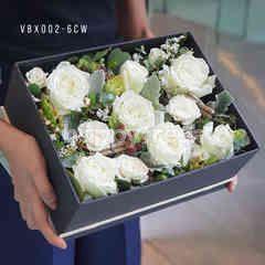 Heartis Display flower box - white roses