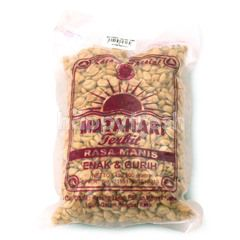 Matahari Terbit Nuts with Sweet Taste