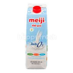 Meiji Pasteurized Non Fat Milk Plain Flavoured 946 ml