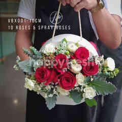 Heartis Handy flower box - red roses & spray roses