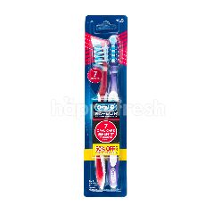 Oral-B Pro-Health Soft Toothbrush (2 Pieces)