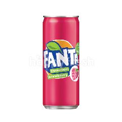 Fanta Strawberry Flavoured Carbonated Soft Drink 320ml