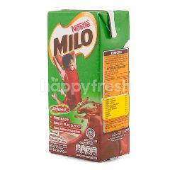 Milo Minuman Cokelat dengan Susu