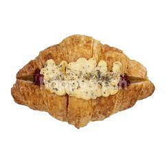 Ann's Bakehouse Bechamel Croissant