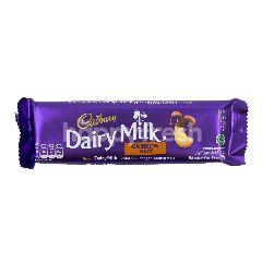 Cadbury Cokelat Susu dengan Kacang Mede