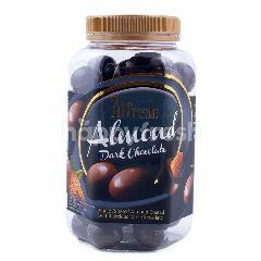 Alfredo Cokelat Hitam dengan Kacang Almond