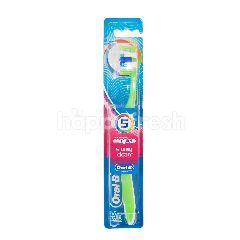 Oral-B Advantage Complete 5 Way Clean Medium Toothbrush
