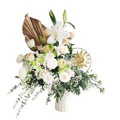 Emme Florist Roses, Baby's Breath, Lily, Hortensia, Cymbidium, Carnation, Chrysant, Dried Palem